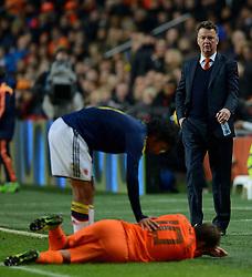 19-11-2013 VOETBAL: NEDERLAND - COLOMBIA: AMSTERDAM<br /> Nederland speelt met 0-0 gelijk tegen Colombia / Trainer coach Louis van Gaal<br /> ©2013-FotoHoogendoorn.nl