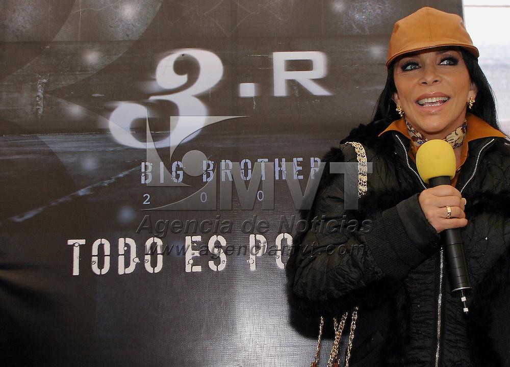 Zinacantepec, Méx.- La actriz y cantante Veronica Castro quien sera la conductora de la tercera edicion del reality show mexicano Big Brother. Agencia MVT / Mario Vazquez de la Torre. (DIGITAL)<br /> <br /> NO ARCHIVAR - NO ARCHIVE