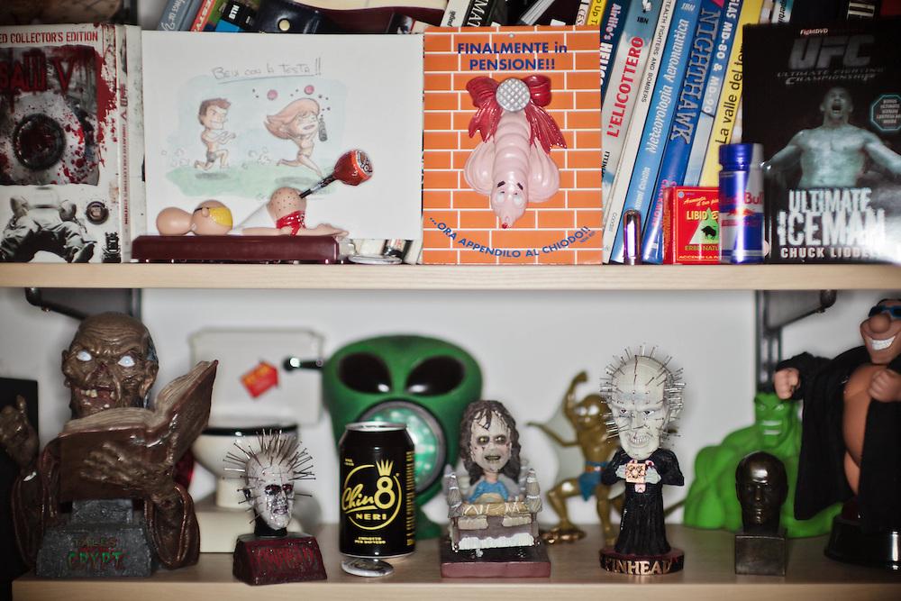 15 NOV 2011 - Budapest (Ungheria) - Oggetti ed accessori nello studio personale di Rocco Siffredi, attore e produttore porno, a casa.