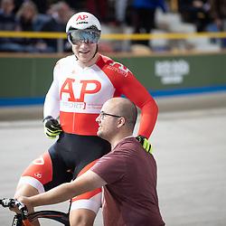 30-12-2018: Wielrennen: NK Baan: Apeldoorn<br />Jeffrey Hoogland en zijn helper Manuel Timmermans