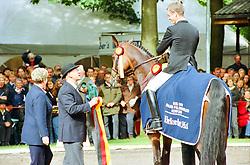 , Warendorf - Bundeschampionate 31.08. - 03.09.2000, Placido 39 - Möller, Ulf  Dr - Championatssieger