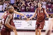DESCRIZIONE : Campionato 2014/15 Serie A Beko Grissin Bon Reggio Emilia - Umana Reyer Venezia Semifinale Playoff Gara1<br /> GIOCATORE : Tomas Ress<br /> CATEGORIA : Fair Play Ritratto Esultanza<br /> SQUADRA : Umana Reyer Venezia<br /> EVENTO : LegaBasket Serie A Beko 2014/2015<br /> GARA : Grissin Bon Reggio Emilia - Umana Reyer Venezia Semifinale Playoff Gara1<br /> DATA : 30/05/2015<br /> SPORT : Pallacanestro <br /> AUTORE : Agenzia Ciamillo-Castoria/R.Morgano