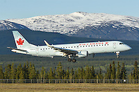 Air Canada Embraer 190 C-FNAX on short final