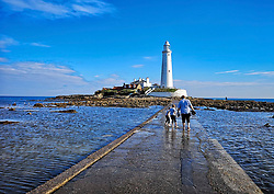 © Licensed to London News Pictures. 03/09/2018. Whitley Bay, UK. A blue sky over St Marys Lighthouse, Whitley Bay on the North East coast, on September 2nd, 2018 as the UK enters the beginning of meteorological autumn. Photo credit: Colin Scarr/LNP