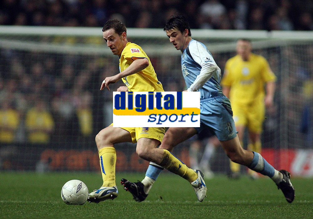 Photo: Paul Thomas.<br /> Manchester City v Sheffield Wednesday. The FA Cup. 16/01/2007.<br /> <br /> Man City's Joey Barton (R) tries to catch Steve MacLean.