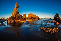 Dramatic rock formations and sea stacks at Bandon beach, Oregon USA.