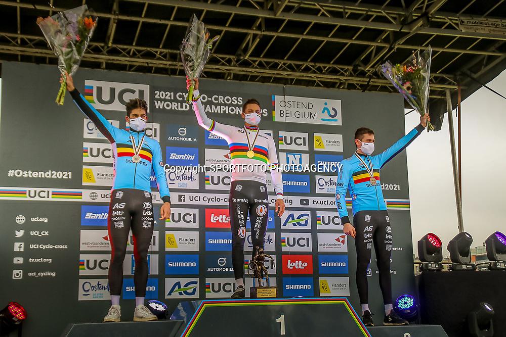 31-01-2021: Wielrennen: WK Veldrijden: Oostende<br /> Mathieu Van Der Poel (Netherlands) pakt wereldtitel veldrijden in Oostende voor de Belgen Wout van Art en Toon Aerts