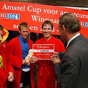 Finale Amstelcup amateurs 2004, VV Sneek - Ter Leede, Ter Leede kampioen, cheque