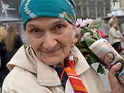 Moskau/Russische Foederation, RUS, 09.05.2008: Portrait einer aelteren Dame  am Tag der grossen Siegesparade im Zentrum der russischen Hauptstadt Moskau. <br /> <br /> Moscow/Russian Federation, RUS, 09.05.2008: Potrait of a older lady during the day of the Victory Parade in the center of the Russian capital Moscow.