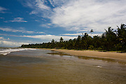 Santa Cruz de Cabralia_BA, Brasil...Praia de Santo Antonio em Santa Cruz de Cabralia, Bahia...Santo Antonio beach in Santa Cruz de Cabralia, Bahia...Foto: LEO DRUMOND / NITRO
