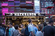 Wo immer Hackbaron Nils<br /> Enge und sein Team den<br /> Foodtruck öffnen, geht<br /> keiner hungrig nach Hause.Spielbudenplatz