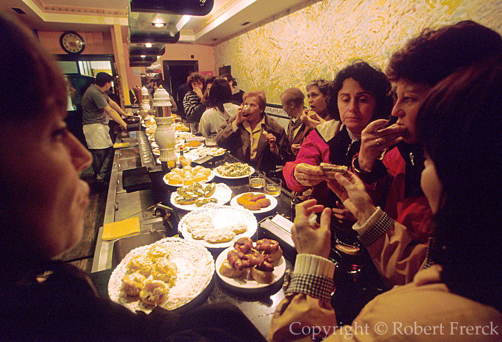 SPAIN, NORTH, BASQUE San Sebastian: crowded tapa bar