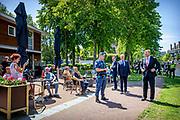 LEIDEN, 15-6-2020 . Koning Willem Alexander tijdfens een werkbezoek gebracht aan Buitengewone Opsporingsambtenaren (BOA's) van team Handhaving gemeente Leiden,  en politiemensen met wie de BOA's nauw samenwerken.
