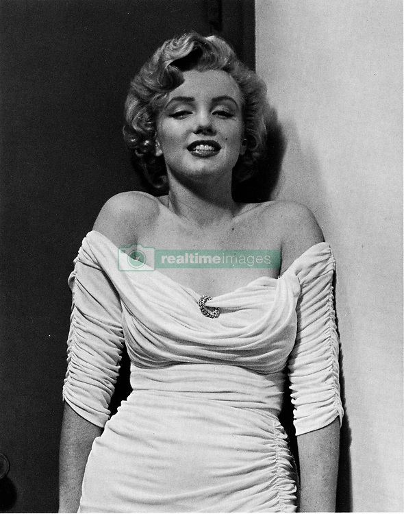 July 14, 1952 - New York, NY, U.S. - Actress and starlet MARILYN MONROE posing for Parade magazine. (Credit Image: © Keystone Press Agency/Keystone USA via ZUMAPRESS.com)