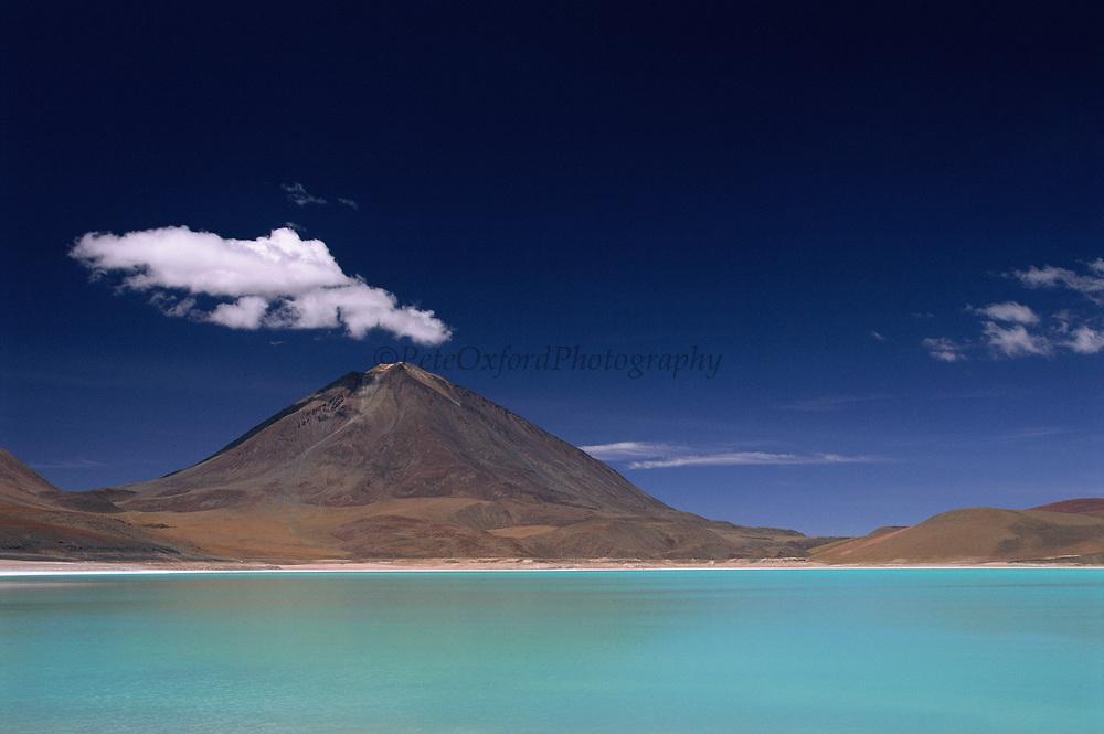 Laguna Verde<br />High Andes, BOLIVIA  South America