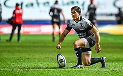 Toulon's Anthony Belleau prepares to convert his sides first try<br /> <br /> Photographer Craig Thomas/Replay Images<br /> <br /> European Rugby Champions Cup Round 5 - Scarlets v Toulon - Saturday 20th January 2018 - Parc Y Scarlets - Llanelli<br /> <br /> World Copyright © Replay Images . All rights reserved. info@replayimages.co.uk - http://replayimages.co.uk