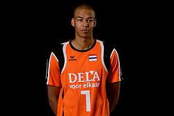 25-04-2013 VOLLEYBAL: NEDERLANDS MANNEN VOLLEYBALTEAM: ROTTERDAM<br /> Selectie Oranje mannen seizoen 2013-2014 / FIVB Heroes /nm1/<br /> ©2013-FotoHoogendoorn.nl