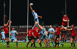 Dave Dennis of Exeter Chiefs wins a lineout - Mandatory by-line: Ken Sutton/JMP - 19/01/2019 - RUGBY - Thomond Park - Limerick,  - Munster Rugby v Exeter Chiefs -
