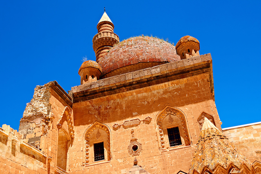 Minarete of the Mosque of the 18th Century Ottoman architecture of the Ishak Pasha Palace (Turkish: İshak Paşa Sarayı) ,  Ağrı province of eastern Turkey. .<br /> <br /> If you prefer to buy from our ALAMY PHOTO LIBRARY  Collection visit : https://www.alamy.com/portfolio/paul-williams-funkystock/ishak-pasha-palace-turkey.html<br /> <br /> Visit our TURKEY PHOTO COLLECTIONS for more photos to download or buy as wall art prints https://funkystock.photoshelter.com/gallery-collection/3f-Pictures-of-Turkey-Turkey-Photos-Images-Fotos/C0000U.hJWkZxAbg