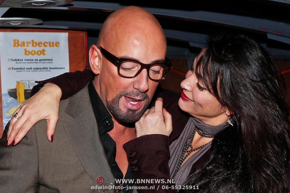 NLD/Amsterdam/20101218 - Verjaardag Maik de Boer met familie en vrienden, Maik met Monique Klemann