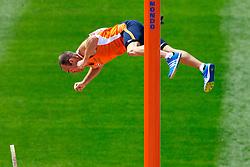 29-07-2010 ATLETIEK: EUROPEAN ATHLETICS CHAMPIONSHIPS: BARCELONA<br /> Robbert-Jan Jansen moet bij de Europese atletiekkampioenschappen in Barcelona de finale van het polsstokhoogspringen vanaf de tribune bekijken<br /> ©2010-WWW.FOTOHOOGENDOORN.NL