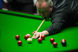 2017?5?1?.      ?????1????——?????????????.        5?1??????????.        ???????????????????2017????????????????????????????????????.        ???????·?????????.(SP) BRITAIN-SHEFFIELD-SNOOKER-WORLD CHAMPIONSHIP-FINAL-HIGGINS VS SELBY.(170501) -- SHEFFIELD, May 1, 2017  John Higgins of Scotland competes during the final with Mark Selby of England at the World Snooker Championship 2017 at the Crucible Theatre in Sheffield, Britain on May 1, 2017. (Credit Image: © Jon Buckle/Xinhua via ZUMA Wire)