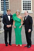 Aankomst van de koninklijke gasten op Paleis Het Loo voor het Diner.<br /> <br /> Arrival of the royal guests at Het Loo Palace for Dinner.<br /> <br /> Op de foto / On the photo: