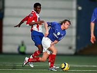 Fotball, 22. januar 2005, privatkamp, Lyn - Vålerenga, Christian Grindheim, Vålerenga, og John Obi Mikel, Lyn