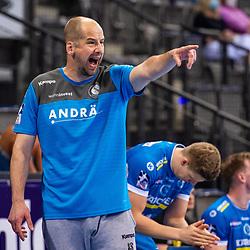 Juergen Schweikardt (Trainer TVB Stuttgart) ; Schrei ; LIQUI MOLY HBL / 1. Handball-Bundesliga: TVB Stuttgart - SG Flensburg-Handewitt am 09.06.2021 in Stuttgart (PORSCHE Arena), Baden-Wuerttemberg, Deutschland<br /> <br /> Foto © PIX-Sportfotos *** Foto ist honorarpflichtig! *** Auf Anfrage in hoeherer Qualitaet/Aufloesung. Belegexemplar erbeten. Veroeffentlichung ausschliesslich fuer journalistisch-publizistische Zwecke. For editorial use only.