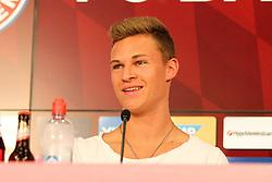 11.07.2015, Alianz Arena, Muenchen, GER, 1. FBL, FC Bayern Muenchen, Teampräsentation, Pressekonferenz, im Bild Joshua Kimmich #32 (FC Bayern Muenchen) gut gelaunt bei der Pressekonferenz // during press conference for the Teampresentation of German Bundesliga Club FC Bayern Munich at the Alianz Arena in Muenchen, Germany on 2015/07/11. EXPA Pictures © 2015, PhotoCredit: EXPA/ Eibner-Pressefoto/ Kolbert<br /> <br /> *****ATTENTION - OUT of GER*****