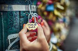 Cadeados na Pont Des Arts, em Paris, França. FOTO: Jefferson Bernardes/ Agência Preview
