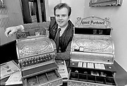Thady O'Connor musician and cash machine owner in Killarney in 1988<br /> Killarney Now & Then - MacMONAGLE photo archives.<br /> Picture by Don MacMonagle -macmonagle.com