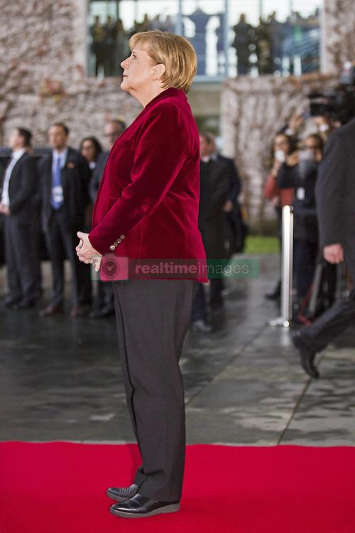 November 17, 2016 - Berlin, Germany - Bundeskanzlerin Angela Merkel empfaengt den US-Praesidenten Barack_Obama am 17.11.2016 im Bundeskanzleramt. Mit einem Kuss auf die Wange haben sich der scheidende US-Praesident Barack_Obama und Bundeskanzlerin Angela Merkel begruesst.   German Chancellor Angela Merkel welcomes the US President Barack_Obama on 17/11/2016 at the Federal Chancellery. With a kiss on the cheek, the outgoing US President Barack_ Obama and Chancellor Angela Merkel have welcomed..Credit: Stocki/face to face (Credit Image: © face to face via ZUMA Press)
