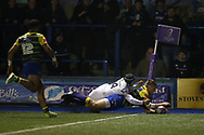 Gareth Anscombe of Cardiff Blues scores his teams 2nd try. European Rugby Challenge Cup, pool 2 match, Cardiff Blues v Toulouse at the BT Cardiff Arms Park, in Cardiff, South Wales on Sunday 14th January 2018.<br /> pic by  Andrew Orchard, Andrew Orchard sports photography.