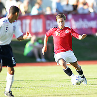 Fotball , <br /> Soccer , <br /> Landskamp gutter 16 G16, <br /> Nordisk gutteturnering i Sverige , <br /> 31.07.08 , Strömsvallen stadion i Strömstad , <br /> England - Norge , <br /> England - Norway , <br /> Fredrik Gulbrandsen , <br /> Jak Alnwick , <br /> Foto: Thomas Andersen / Digitalsport