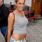 NLD/Amsterdam/20050808 - Deelnemers Sterrenslag 2005, Kelly van der Veer en partner