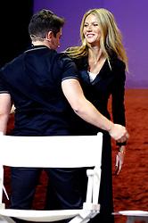 November 19, 2016 - Los Angeles, Kalifornien, USA - Brian Chesky und Gwyneth Paltrow auf dem Airbnb Open 2016 zum Thema 'The Game Plan: Strategies for Entrepreneurs' im Orpheum Theatre. Los Angeles, 19.11.2016 (Credit Image: © Future-Image via ZUMA Press)
