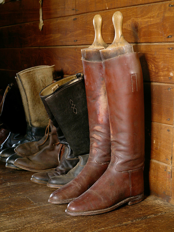 Kenya Private House, Elle, Interior, Shoes, Horse, Africa, Home Africa, Kenya,  Laikipia, Safari,