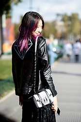 September 28, 2016 - Paris, FRANCE - Maison Margiela. STREETSTYLE, PARIS WOMAN WOMEN FASHION WEEK 2017  READY TO WEAR FOR SPRING SUMMER FRIEHLING SOMMER .PARSTS17 (Credit Image: © PPS via ZUMA Wire)