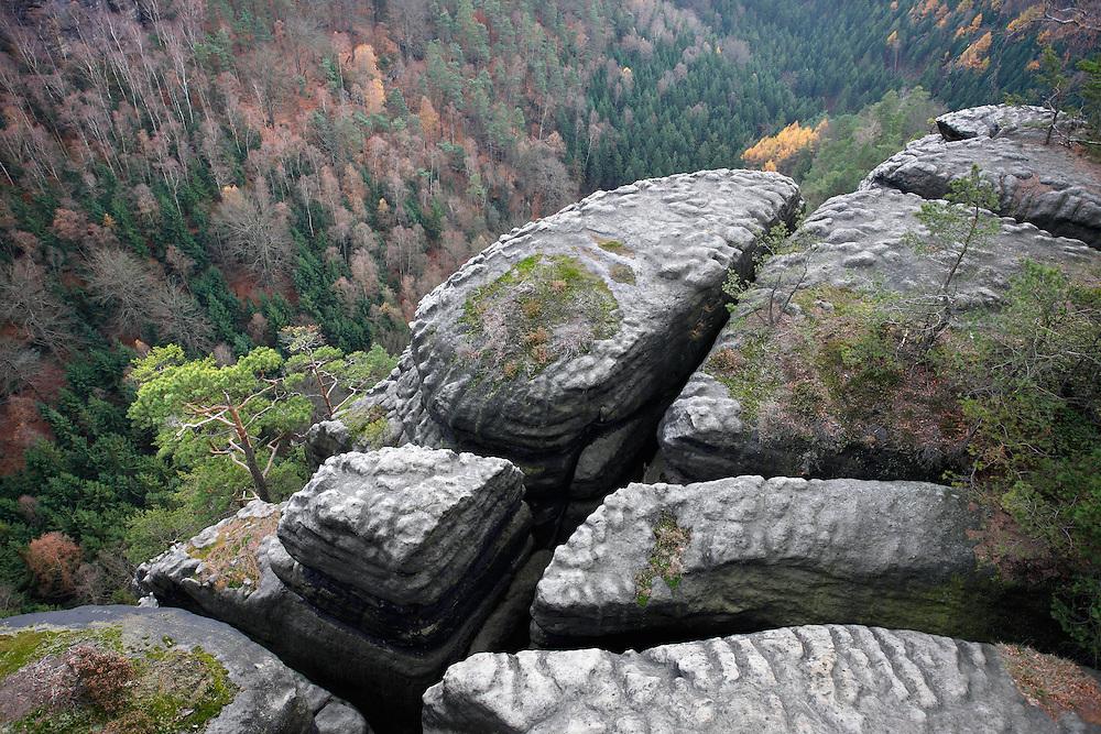 STRIBRNE STENY, 459 m. HRENSKO. CESKE SVYCARSKO. CZECH REPUBLIC.