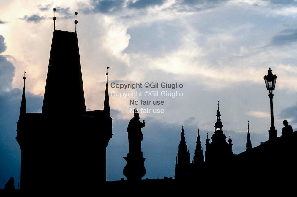 République Tchèque, Prague, Pont Charle et point de la Cathédrale Saint-Guy // Czech Republic, Prague, Charles Bridge and tower of Cathedral Saint Guy
