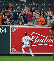 August 3, 2017 - Baltimore, MD, USA - The Baltimore Orioles' Craig Gentry watches a leadoff home run by the Detroit Tigers' Ian Kinsler leave the yard at Oriole Park at Camden Yards in Baltimore on Thursday, Aug. 3, 2017. (Credit Image: © Lloyd Fox/TNS via ZUMA Wire)
