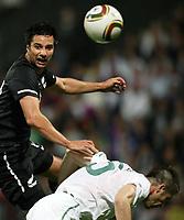 Fotball<br /> New Zealand v Slovenia<br /> Marburg Slovenia<br /> 04.06.2010<br /> Foto: Gepa/Digitalsport<br /> NORWAY ONLY<br /> <br /> FIFA Weltmeisterschaft 2010 in Suedafrika, Vorberichte, Vorbereitung, Vorbereitungsspiel, Freundschaftsspiel, Laenderspiel, Slowenien vs Neuseeland. <br /> <br /> Bild zeigt Rory Fallon (NZL) und Branko Ilic (SLO)