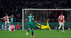 08-05-2019 NED: Semi Final Champions League AFC Ajax - Tottenham Hotspur, Amsterdam<br /> After a dramatic ending, Ajax has not been able to reach the final of the Champions League. In the final second Tottenham Hotspur scored 3-2 / Andre Onana #24 of Ajax, Lucas #27 of Tottenham Hotspur scores 2-1, Frenkie de Jong #21 of Ajax, Christian Eriksen #23 of Tottenham Hotspur
