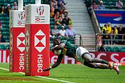 Twickenham, United Kingdom 25th May 2019 HSBC London Sevens, RSA, Sakoyisa MAKATA, diving in to touch down by the post during the the Pool A game played at  the  RFU Stadium, Twickenham, England, <br /> © Peter SPURRIER: Intersport Images<br /> <br /> 11:38:08 25.05.19