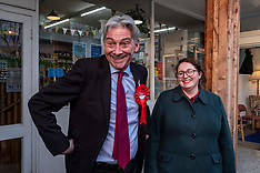 Richard Leonard does some shopping, Penicuik, 28 November 2019