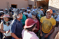 FESTEJOS DE CARNAVAL EN EL PATIO DE UNA CASA, OCUMAZO, QUEBRADA DE HUMAHUACA, PROV. DE JUJUY, ARGENTINA