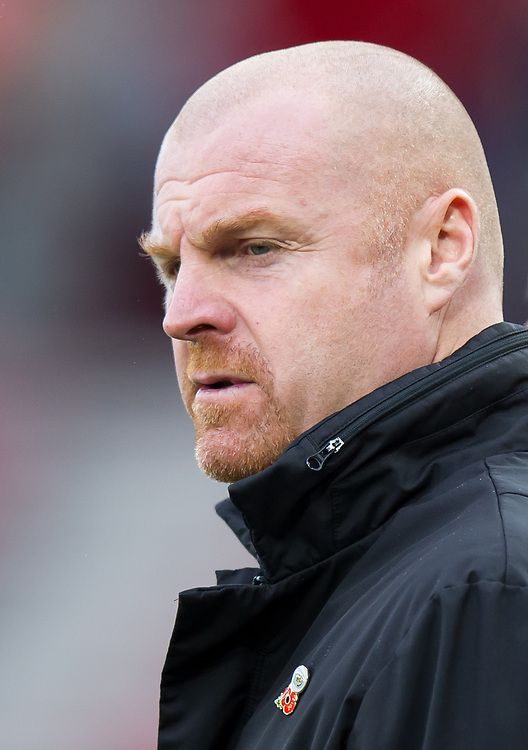 Burnley manager Sean Dyche <br /> <br /> Photographer Ashley Western/CameraSport<br /> <br /> The Premier League - Southampton v Burnley - Saturday 4th November 2017 - St Mary's Stadium - Southampton<br /> <br /> World Copyright © 2017 CameraSport. All rights reserved. 43 Linden Ave. Countesthorpe. Leicester. England. LE8 5PG - Tel: +44 (0) 116 277 4147 - admin@camerasport.com - www.camerasport.com