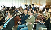 UTRECHT - Op de voorgrond Jacques Brinkman. Presentatie KNHB boek 115 jaar Nederland Hockeyland. FOTO KOEN SUYK