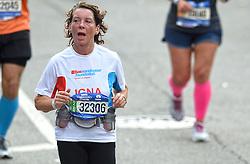 01-11-2015 USA: NYC Marathon We Run 2 Change Diabetes day 4, New York<br /> De dag van de marathon, 42 km en 195 meter door de straten van Staten Island, Brooklyn, Queens, The Bronx en Manhattan / Igna